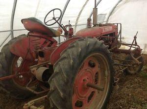 Tracteur Farmall Modele C