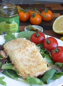 Saumon aux fleurs d'ail en croûte de parmesan