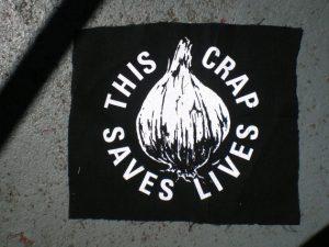 Sérigraphie sur tissu, l'ail sauve des vies